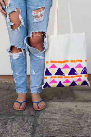 DIY-Aztec-Tote-Bags
