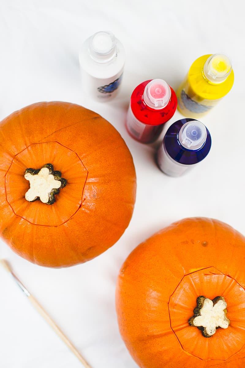 DIY Emoji Pumpkins Halloween Decor Fun Painting Tutorial-1