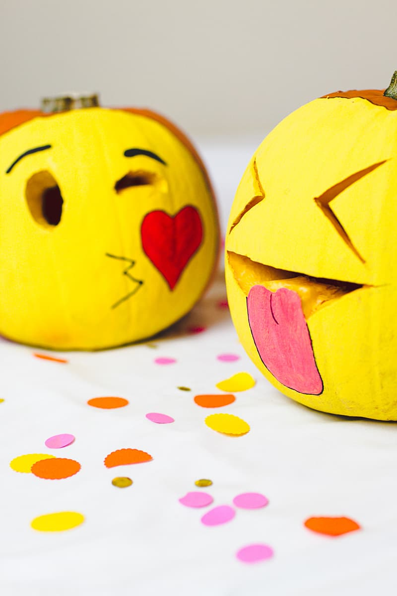 DIY Emoji Pumpkins Halloween Decor Fun Painting Tutorial-6