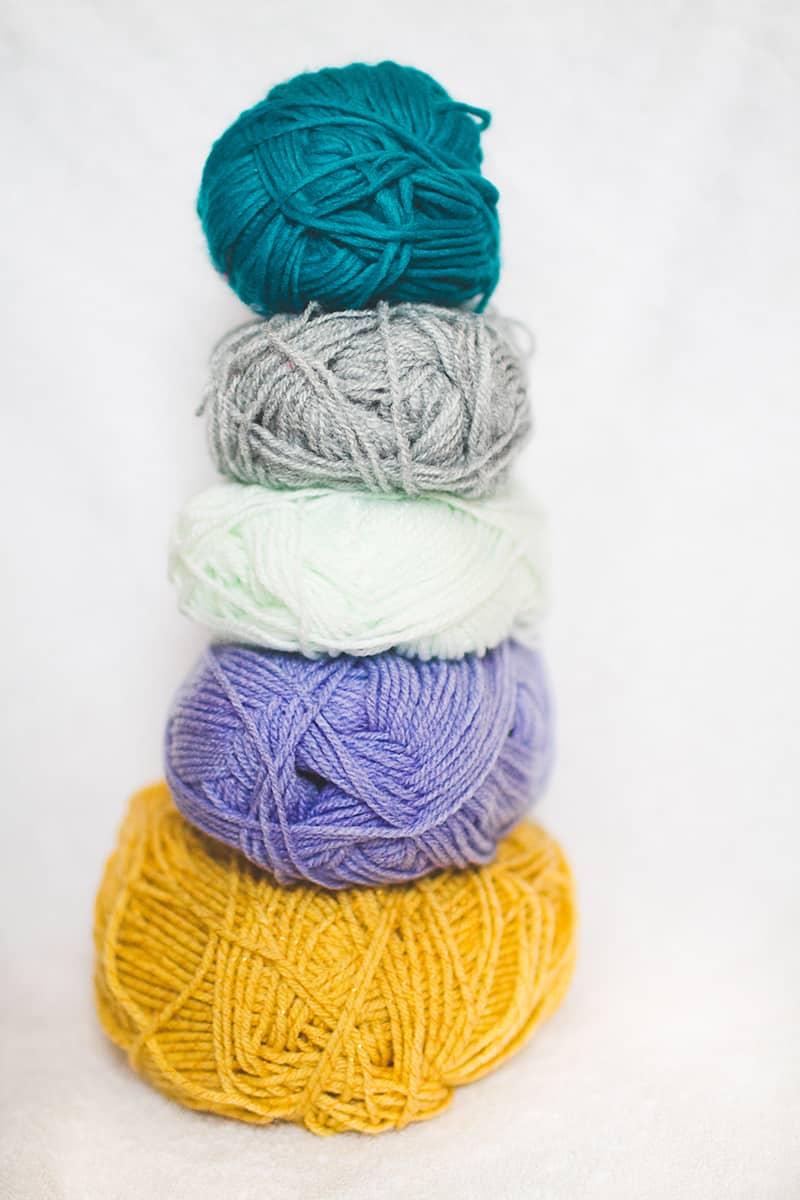 DIY POM POM Yarn Letters-1