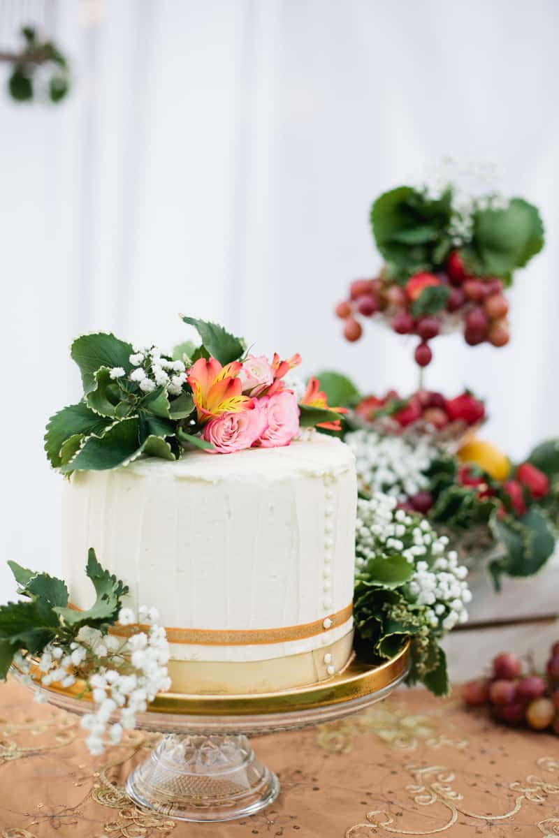 Charming Gold, Pink & Maroon wedding ideas with forest fruits