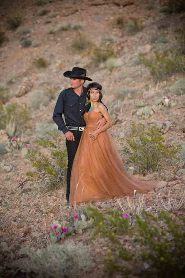 COUNTRY & WESTERN COWBOY & INDIAN ELOPEMENT (23)