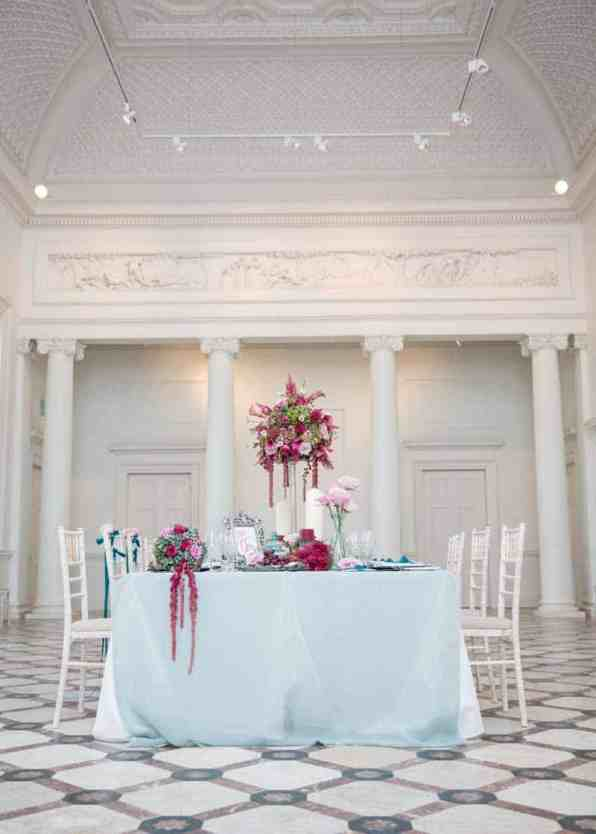 AN OPULENT FRENCH BAROQUE INSPIRED STYLED SHOOT