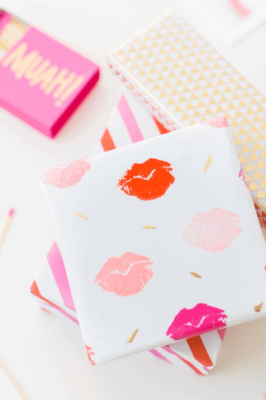 DIY-Lip-Print-Paper-087