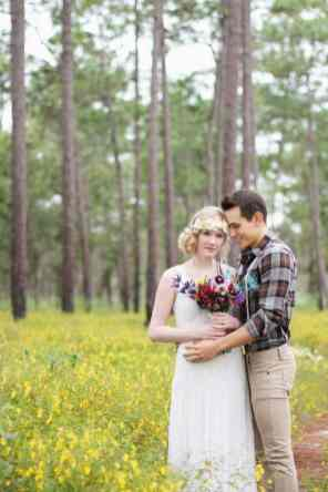 HIPPIE CHIC MUSIC NATURE LOVING FESTIVAL STYLED SHOOT (1)