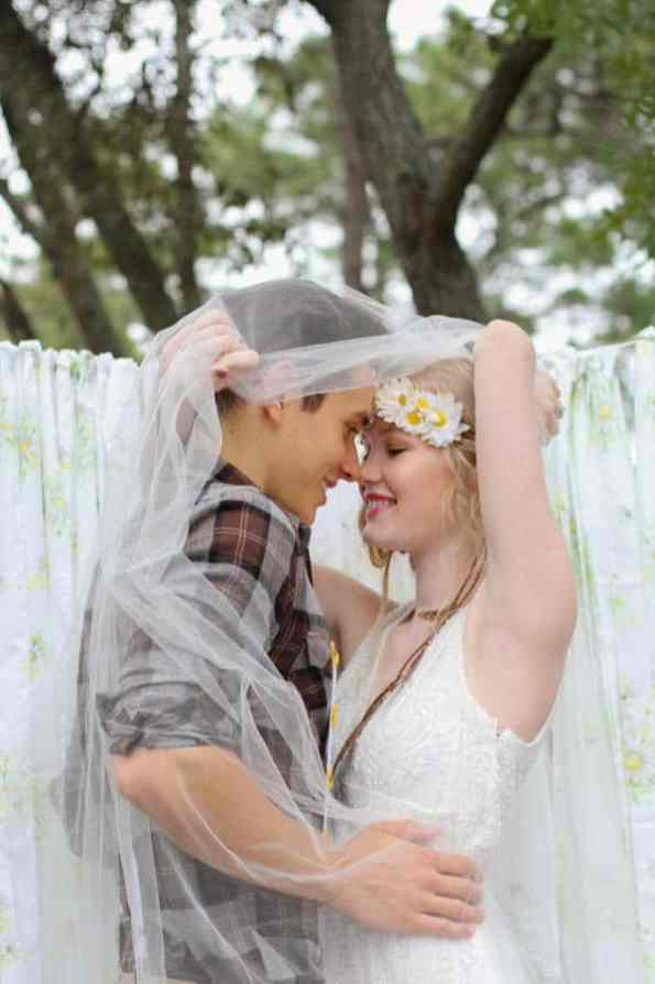 HIPPIE CHIC MUSIC NATURE LOVING FESTIVAL STYLED SHOOT (27)