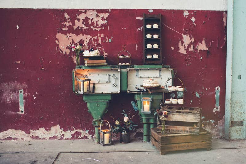 INDUSTRIAL BOHEMIAN STYLED SHOOT IN AN ABANDONED WAREHOUSE (10)