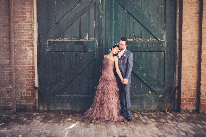 INDUSTRIAL BOHEMIAN STYLED SHOOT IN AN ABANDONED WAREHOUSE (16)