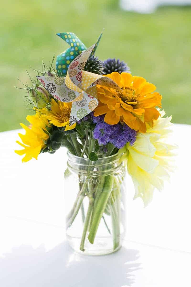 Pinwheel Themed Wedding with Colourful Sunflowers Backyard Inspiration-14