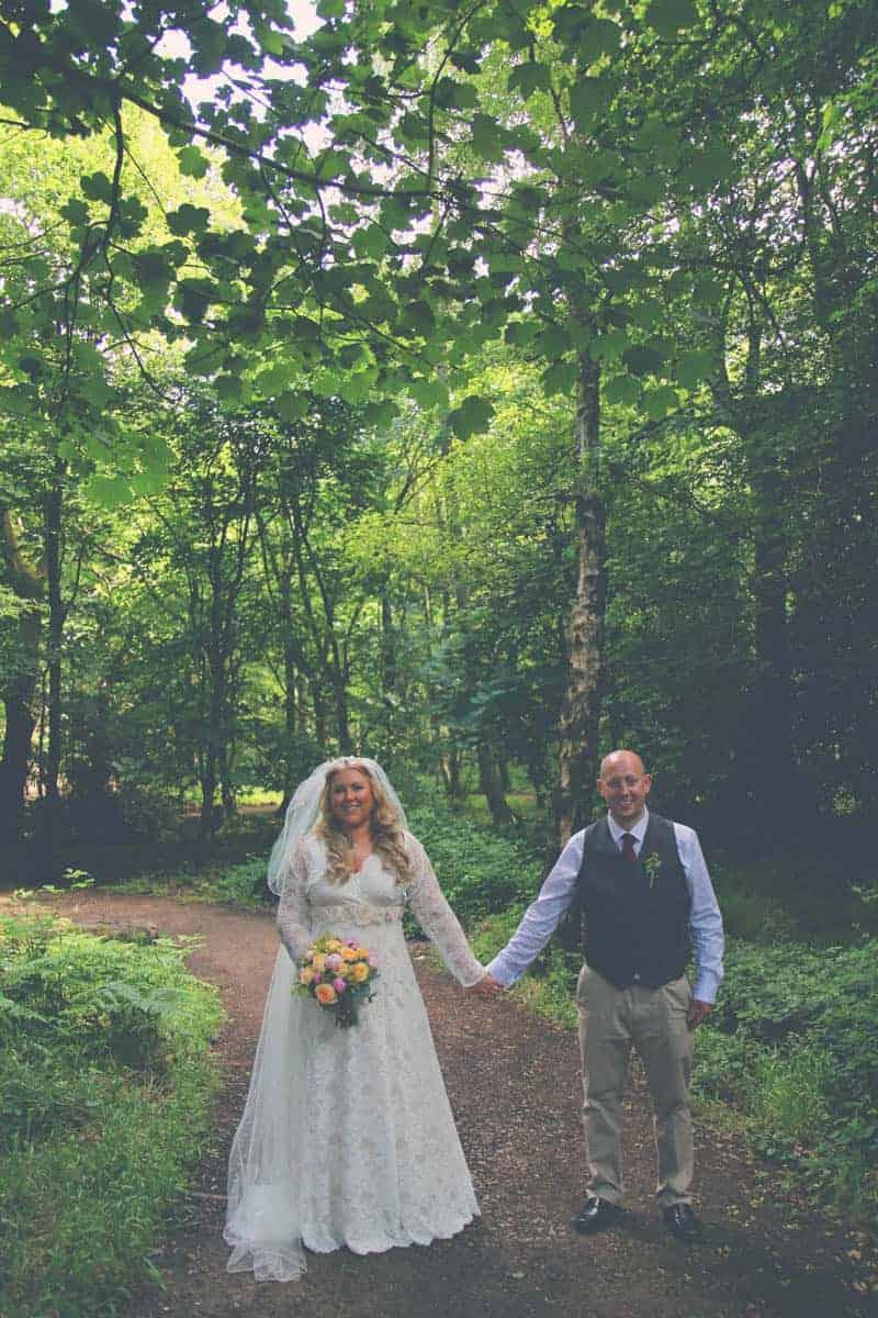 TRAVEL INSPIRED WOODLAND WEDDING (11)