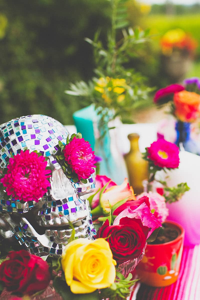 10 DIY Mosaic Skull Mexican Wedding Inspiration Tutorial Dia de los muertos