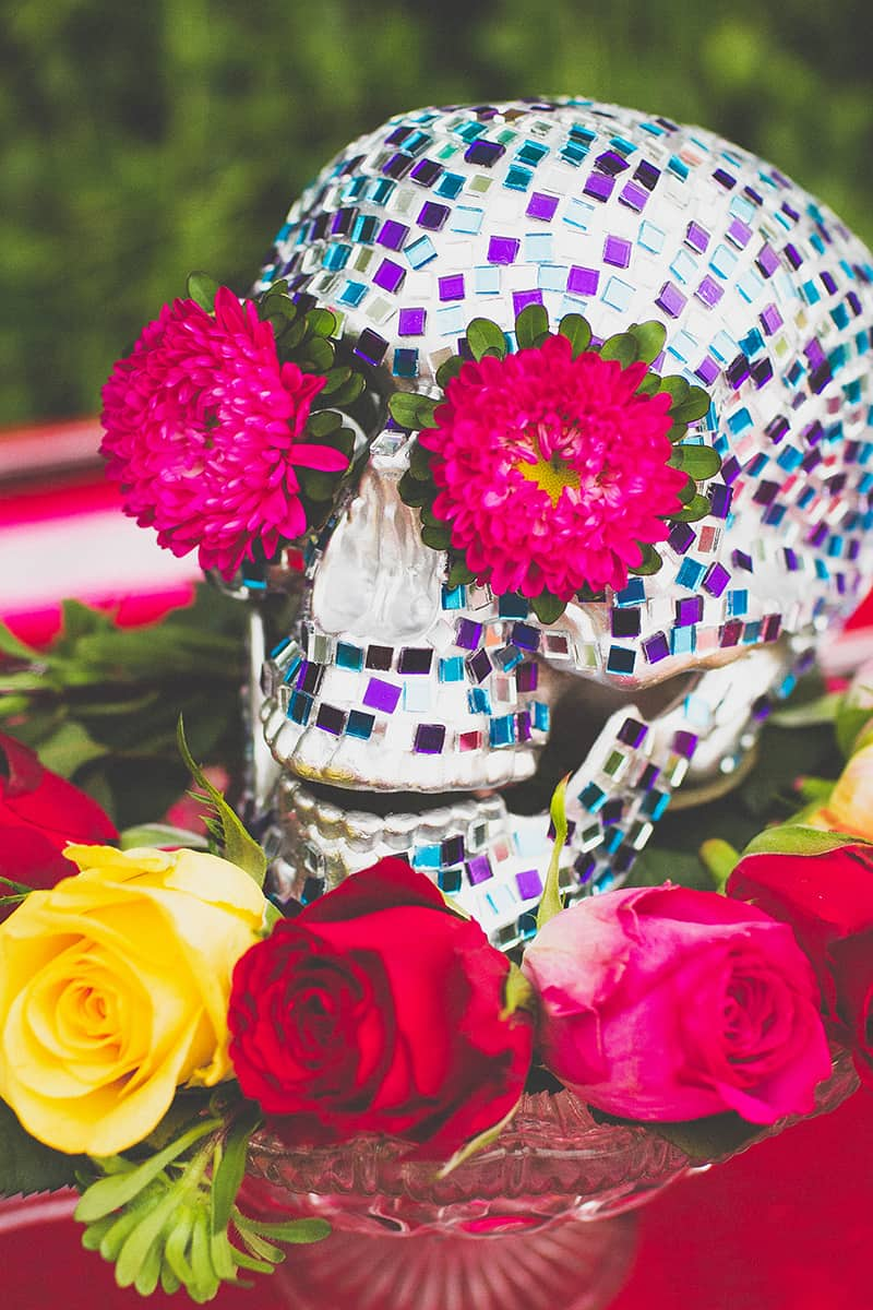 12 DIY Mosaic Skull Mexican Wedding Inspiration Tutorial Dia de los muertos