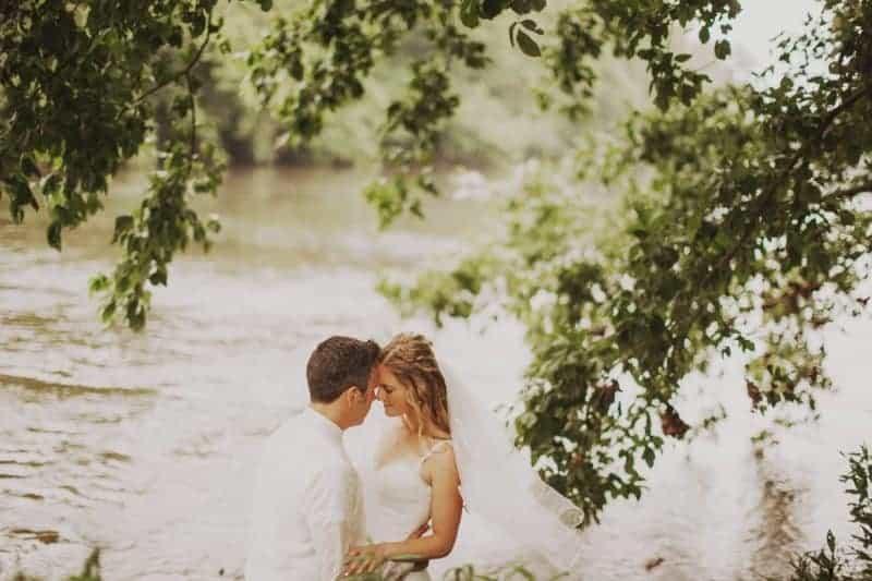 A BRIGHT & BEAUTIFUL TECHNICOLOUR WEDDING IN THE RAIN! (14)
