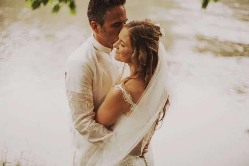 A BRIGHT & BEAUTIFUL TECHNICOLOUR WEDDING IN THE RAIN! (15)