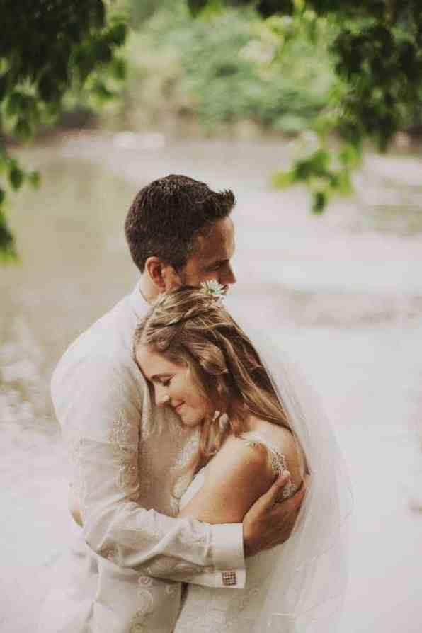 A BRIGHT & BEAUTIFUL TECHNICOLOUR WEDDING IN THE RAIN! (16)