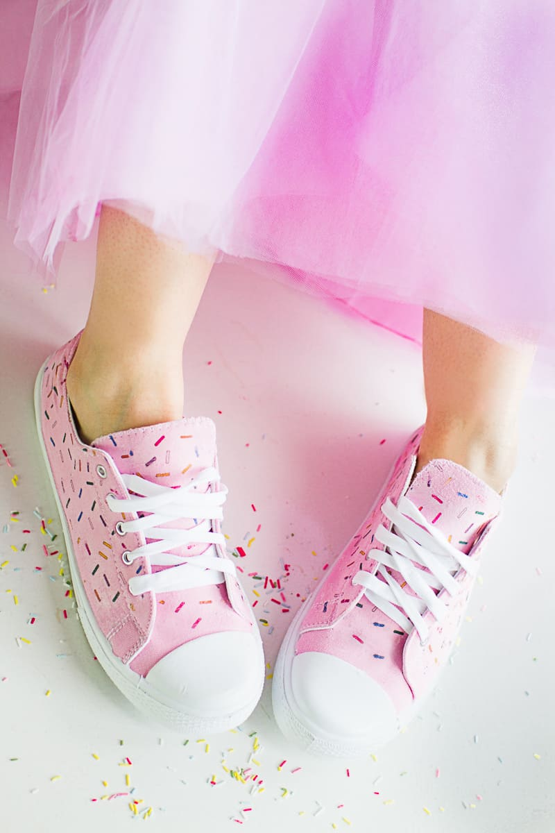 DIY Sprinkle Shoes Sneakers Pink Bridal pumps plimsole funfetti tutorial iron on-3