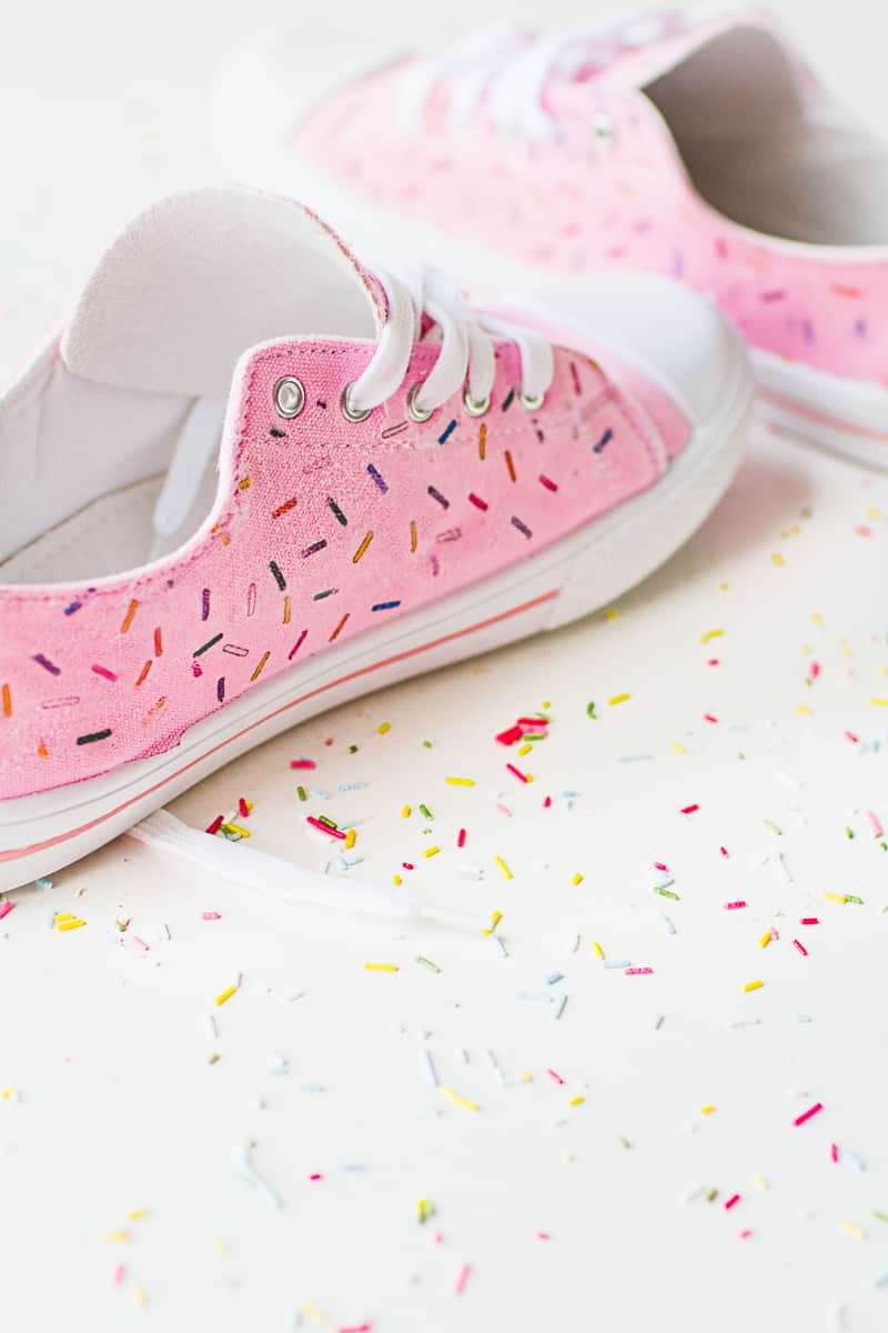 DIY Sprinkle Shoes Sneakers Pink Bridal pumps plimsole funfetti tutorial iron on-4