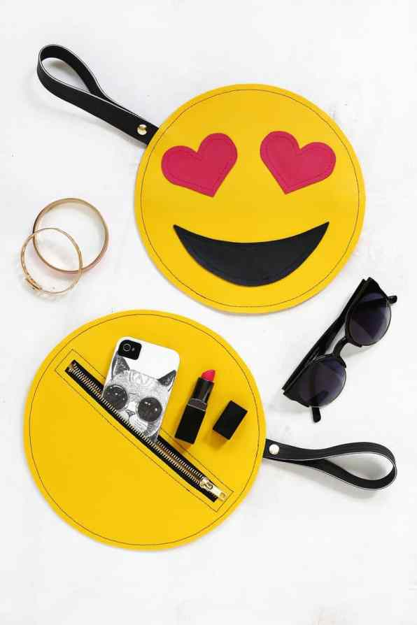 Emoji Clutch DIY 1