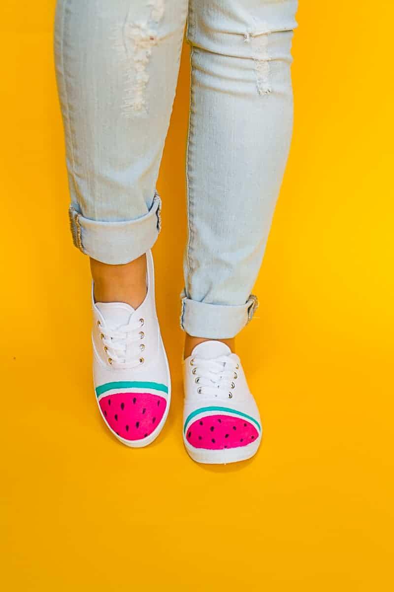 DIY Watermelon Shoes Fabric Paint Fruit themed sneakers pumps_-6