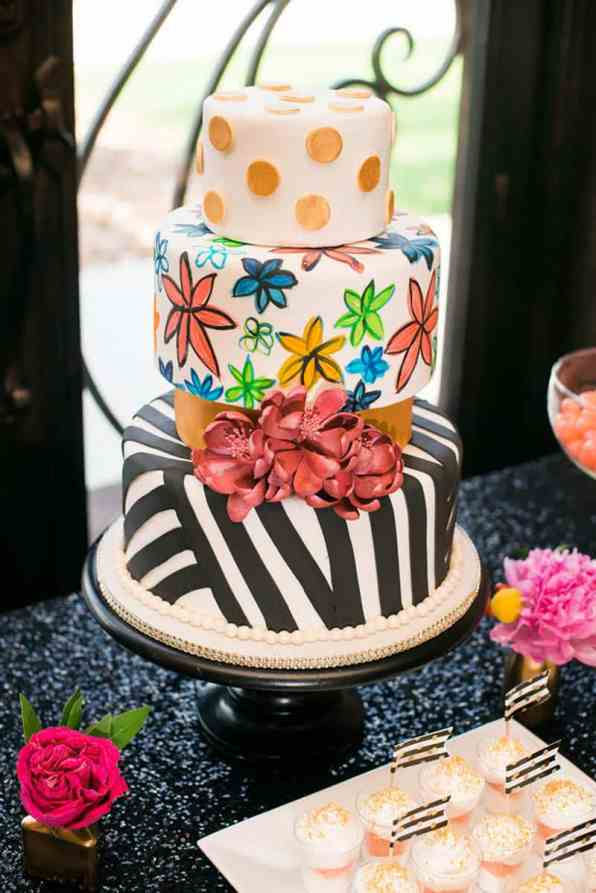 KATE SPADE INSPIRED WEDDING WITH A BLACK AND WHITE STIPE BRIDAL GOWN (1)