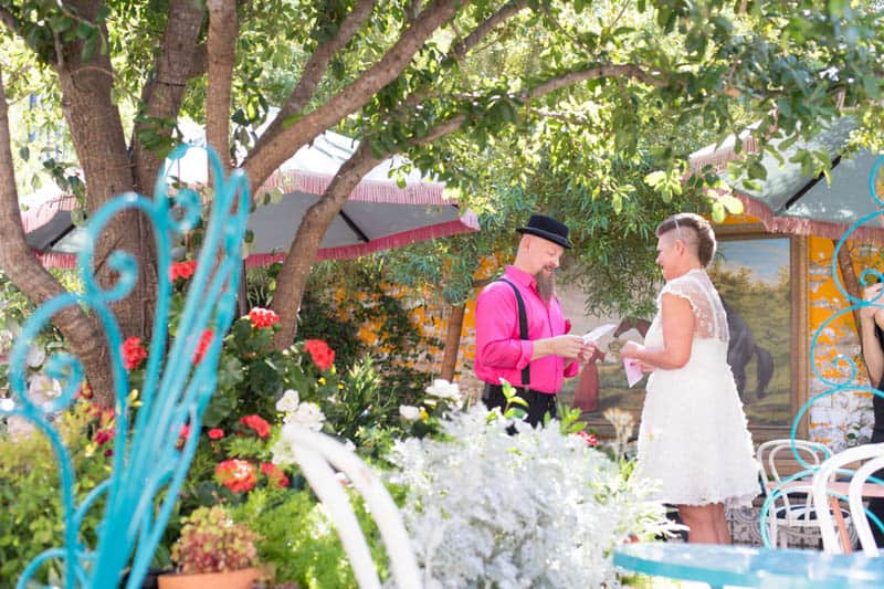 PINK TO MAKE THE BOYS WINK! AN ECLECTIC LAS VEGAS ELOPEMENT (3)