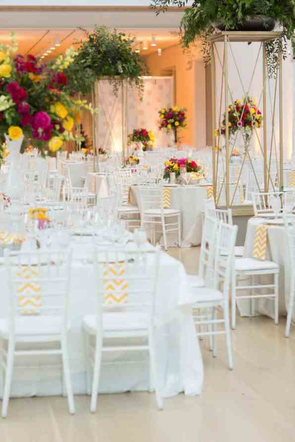 Bold & Vibrant wedding with an oversized Confetti wedding cake! (19)