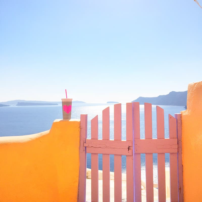 Santorini Oia Travel Guide Reccomendations Honeymoon Colourful Place Greece_-12