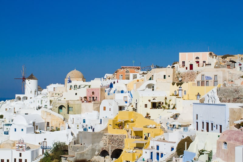 Santorini Oia Travel Guide Reccomendations Honeymoon Colourful Place Greece_-68