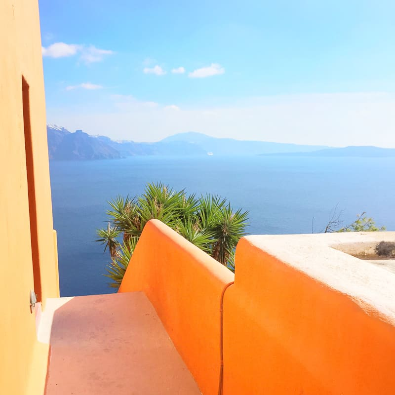 Santorini Oia Travel Guide Reccomendations Honeymoon Colourful Place Greece_-97
