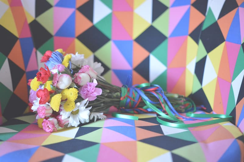 Groovy 70s wedding inspiration with bold geometric prints and flowers 10
