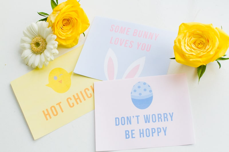 Free Printable Easter Cards Puns Some bunny loves you hot chick don't worry be hoppy pastel greeting fun-7