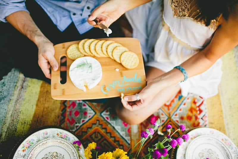 How to make your engagement shoot more personal - a colourful whimsical outdoor picnic engagement on the beach (12)