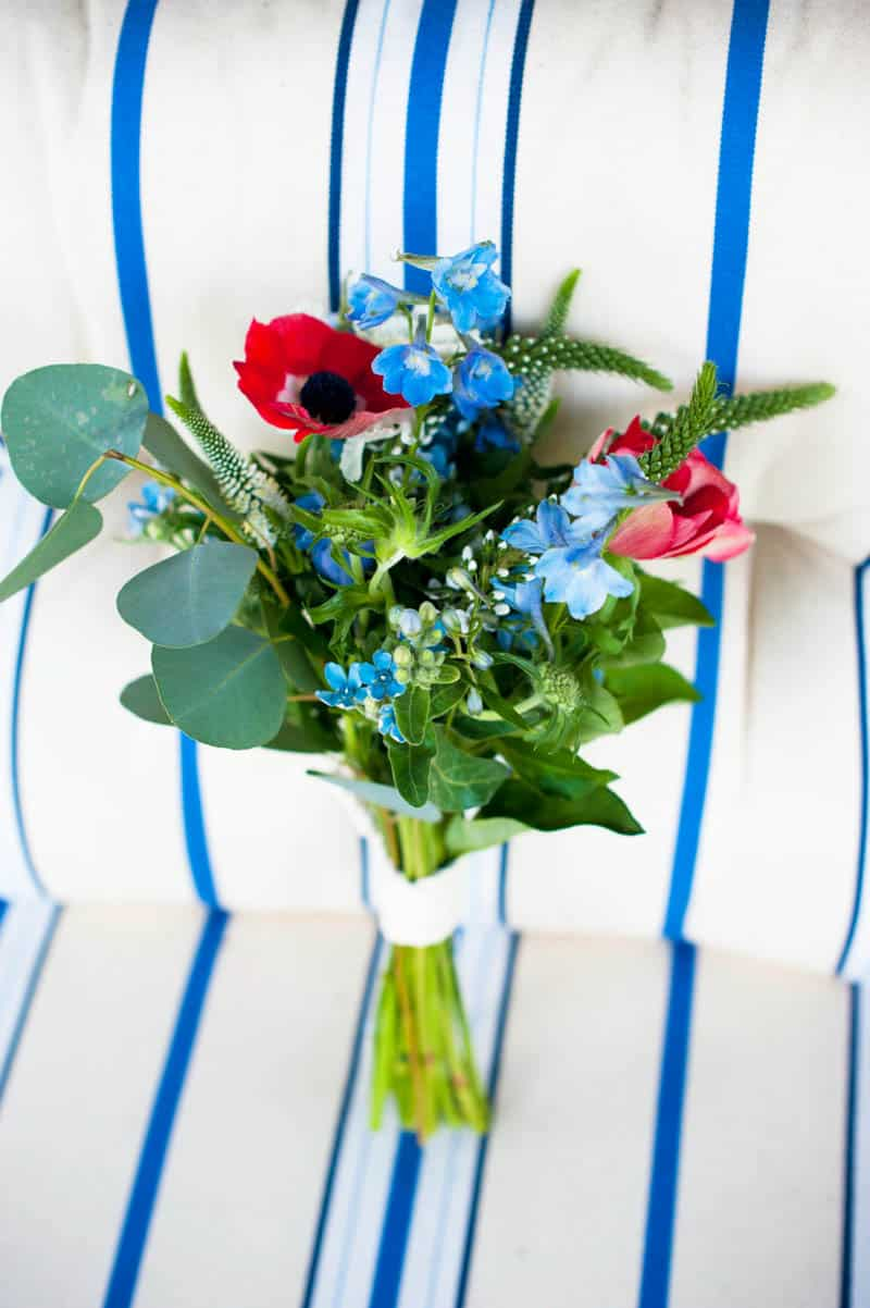 INTIMATE SWEDISH INSPIRED BEACH WEDDING AT A NON TRADITIONAL WEDDING VENUE RS (2)