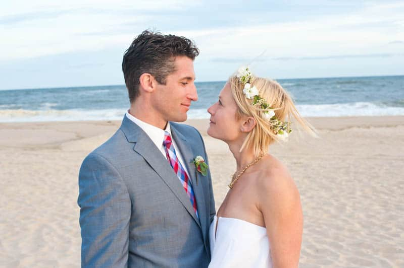INTIMATE SWEDISH INSPIRED BEACH WEDDING IN A NON TRADTIONAL VENUE (11)
