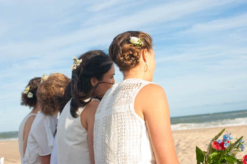 INTIMATE SWEDISH INSPIRED BEACH WEDDING IN A NON TRADTIONAL VENUE (19)