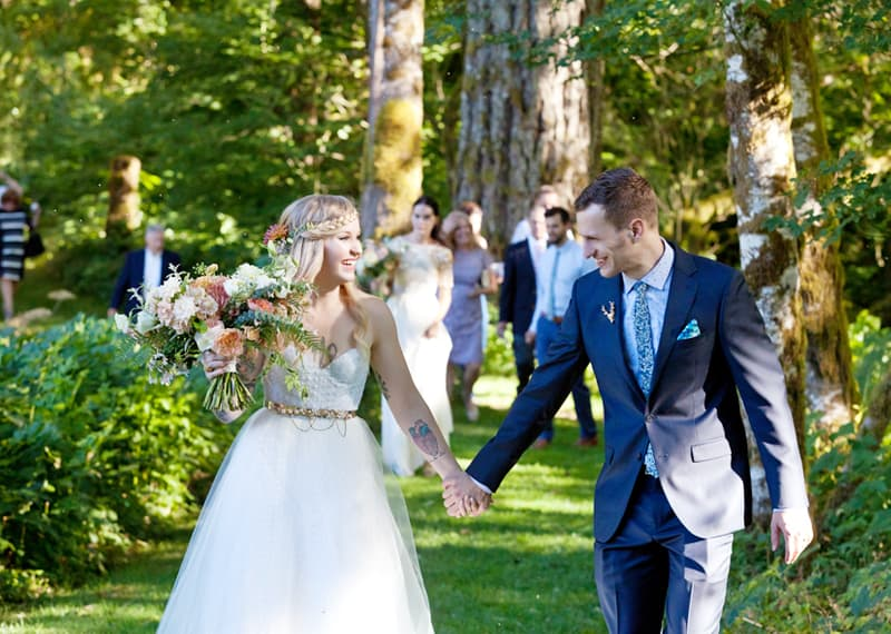 A WHIMSICAL OUTDOOR WEDDING IN PORTLAND FEATUIRNG CATS COLOURS & POLKA DOTS (23)