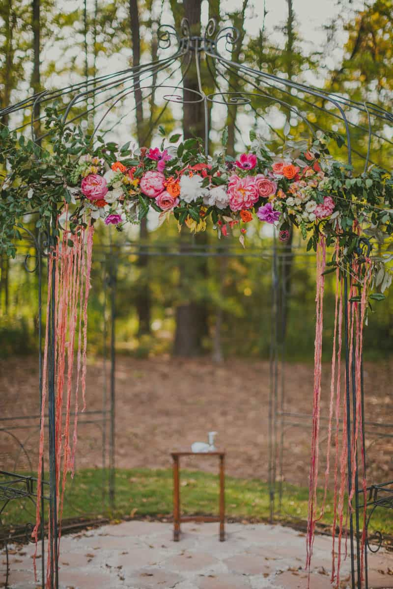 HOW TO THROW A WEDDING YOUR GUESTS WILL LOVE! (18)
