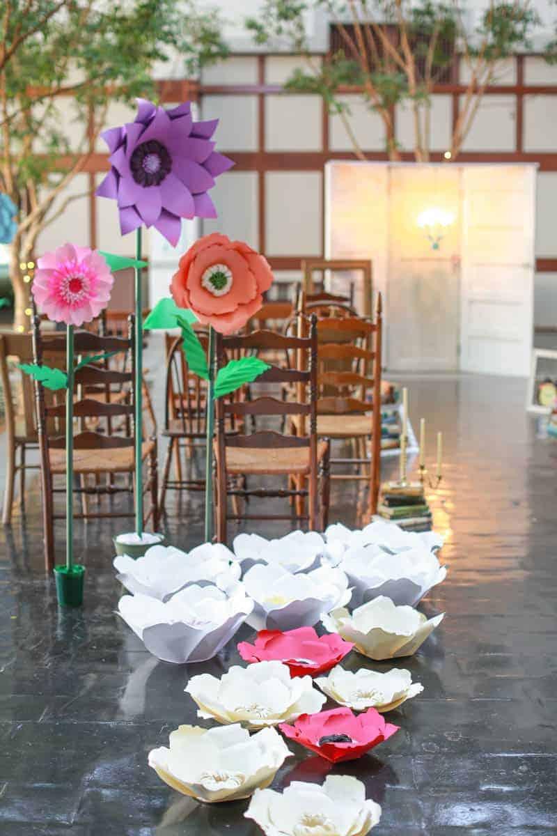 MODERN ALICE IN WONDERLAND THEMED WEDDING (1)