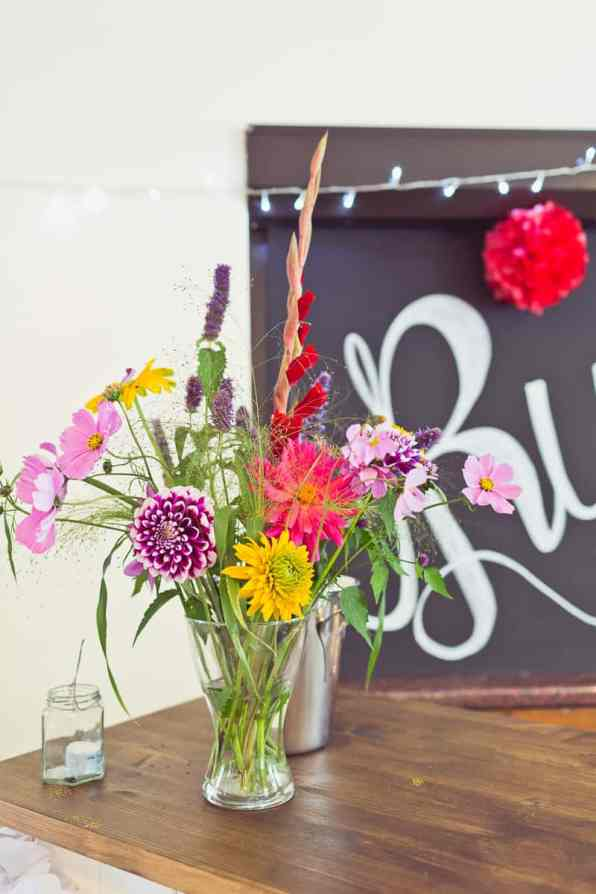 THIS CUTE DIY WEDDING IN A VILLAGE HALL IS EVERY CRAFTER'S DREAM! (21)