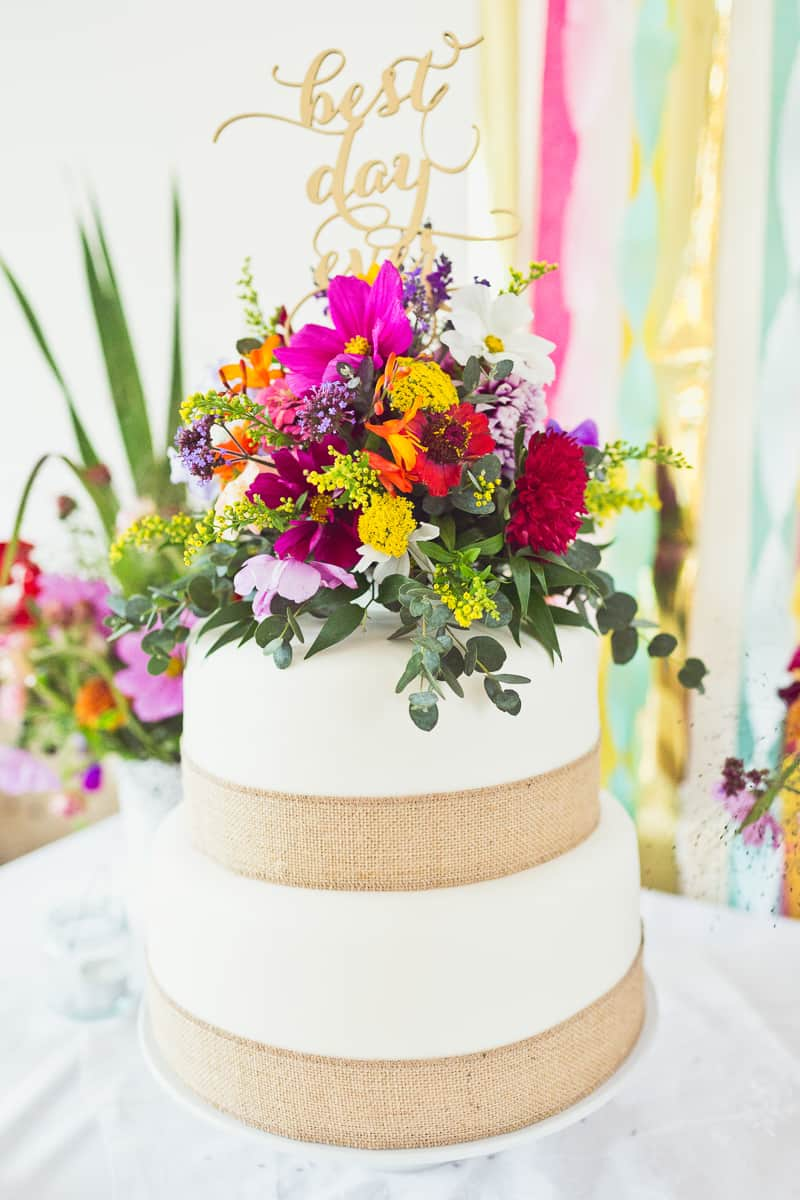 THIS CUTE DIY WEDDING IN A VILLAGE HALL IS EVERY CRAFTER'S DREAM! (8)