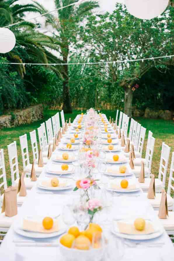 HOW TO PLAN YOUR WEDDING WHEN YOU LIVE LONG DISTANCE. A CITRUS THEMED WEDDING IN THE IBIZIAN COUNTRYSIDE (16)