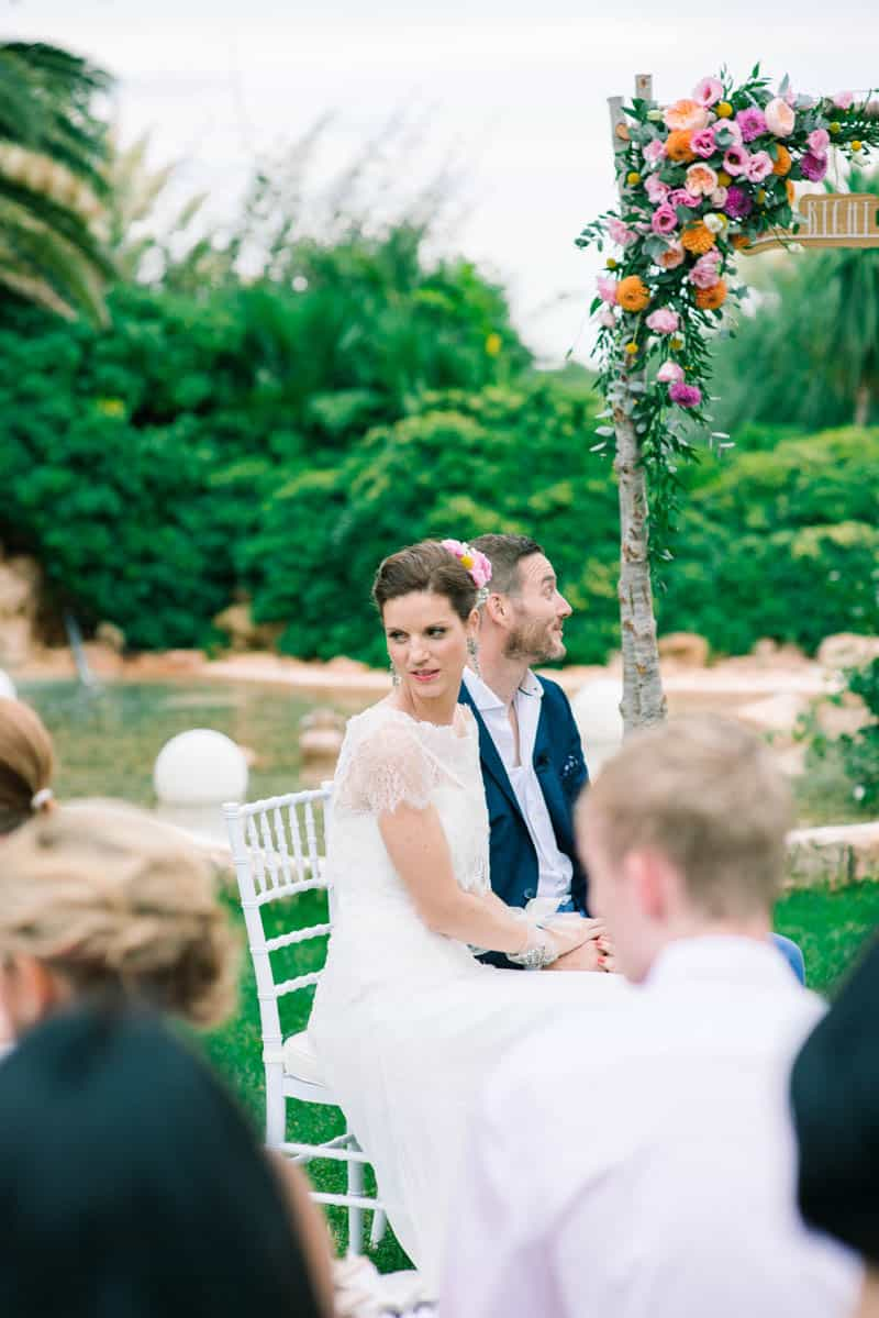 HOW TO PLAN YOUR WEDDING WHEN YOU LIVE LONG DISTANCE. A CITRUS THEMED WEDDING IN THE IBIZIAN COUNTRYSIDE (23)