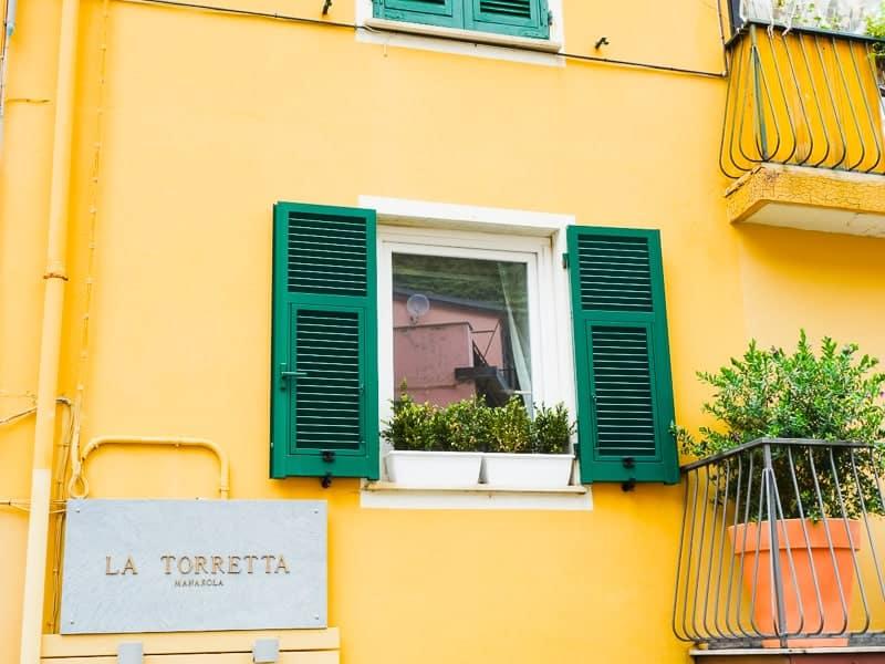 Cinque Terre Travel Guide Train Hiking Italy Information Advice Reccomendation Colourful_-67