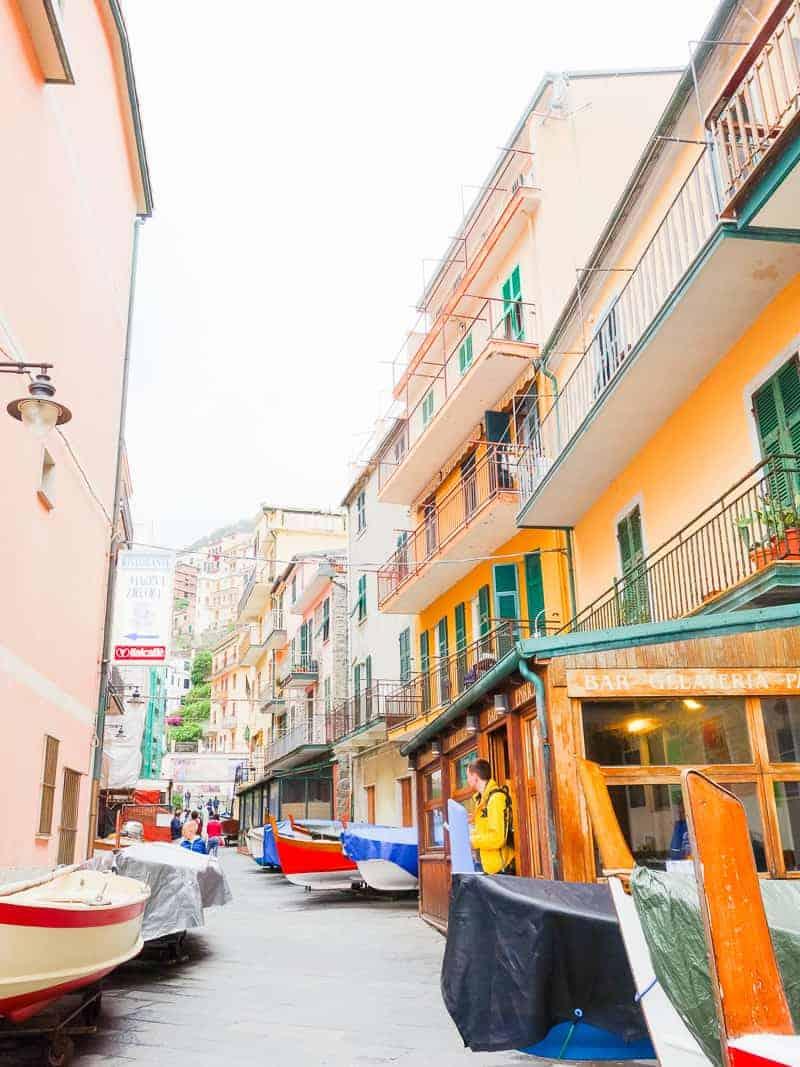 Cinque Terre Travel Guide Train Hiking Italy Information Advice Reccomendation Colourful_-86