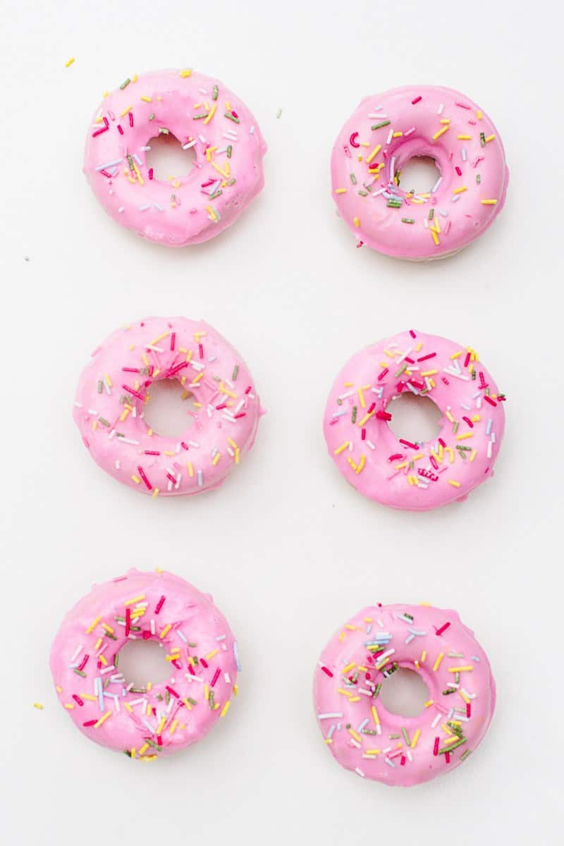 DIY-Donut-Soap-Favours-Sprinkles-Doughnut-Melt-and-pour-National-Donut-day