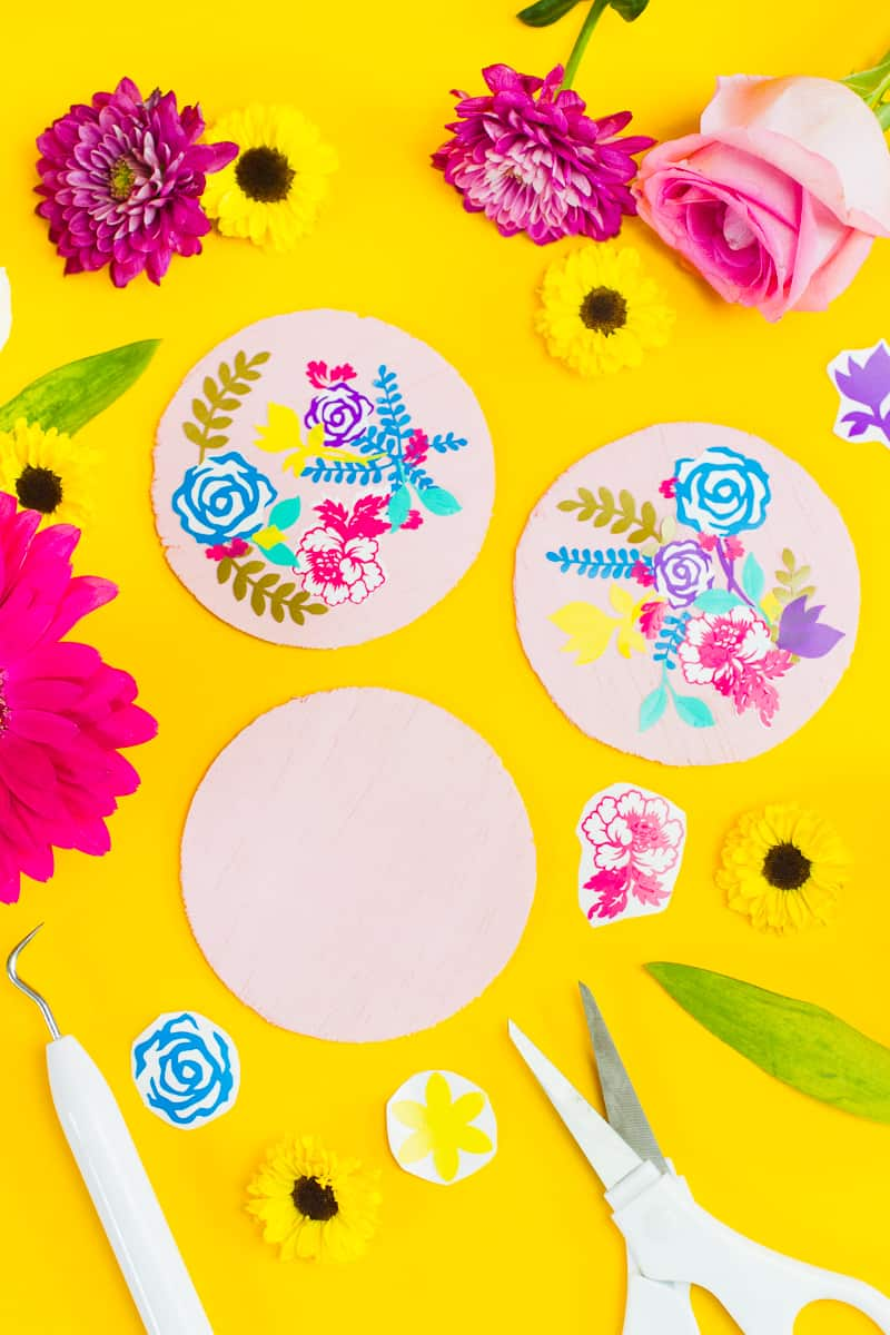 DIY floral flower coasters with Cricut vinyl project wedding table decor pretty favours foliage-1
