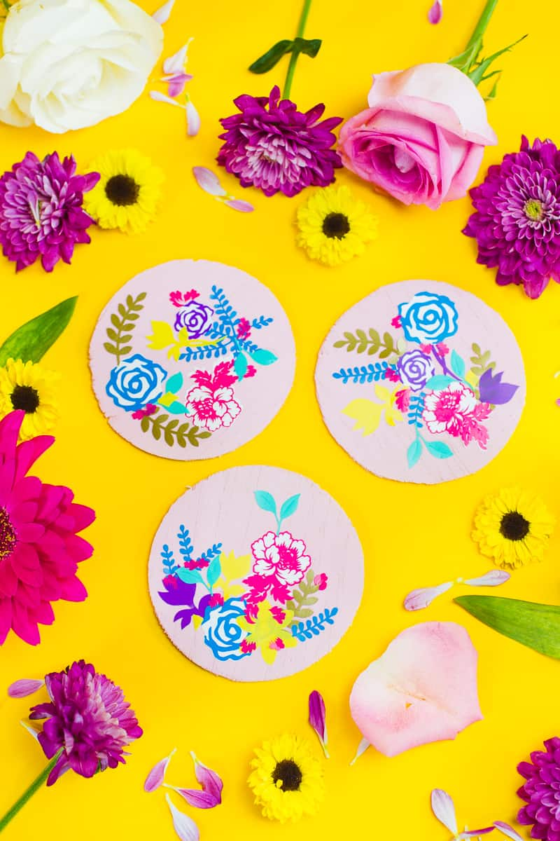 DIY floral flower coasters with Cricut vinyl project wedding table decor pretty favours foliage-3