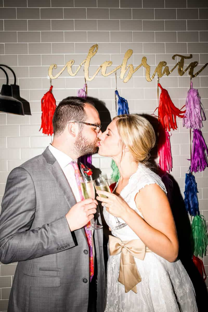 HANDMADE COLORFUL INTIMATE WEDDING IN A COFFEE SHOP (6)