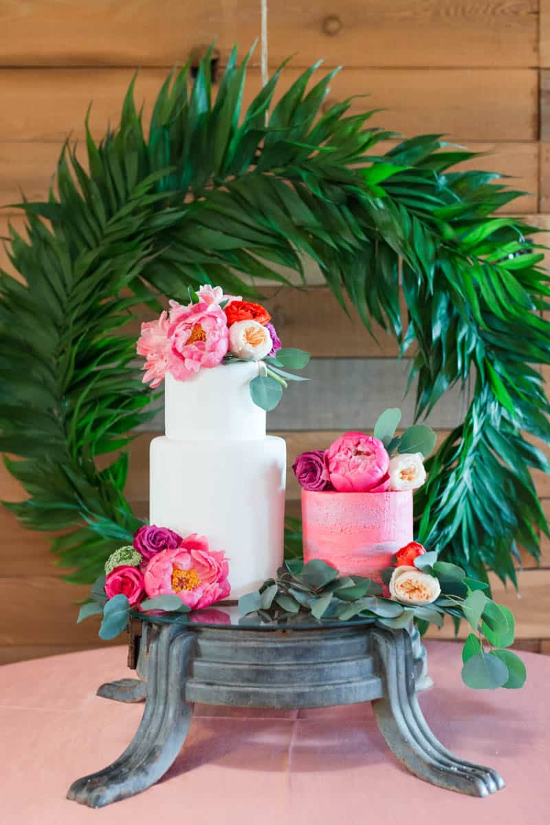 BOLD & VIBRANT HOT PINK CORAL BOHEMIAN STYLING WEDDING IDEAS (11)