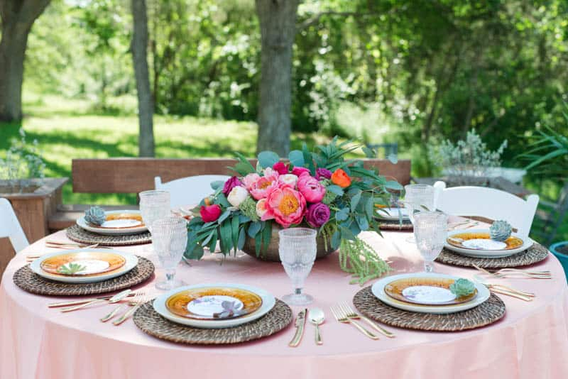 BOLD & VIBRANT HOT PINK CORAL BOHEMIAN STYLING WEDDING IDEAS (4)